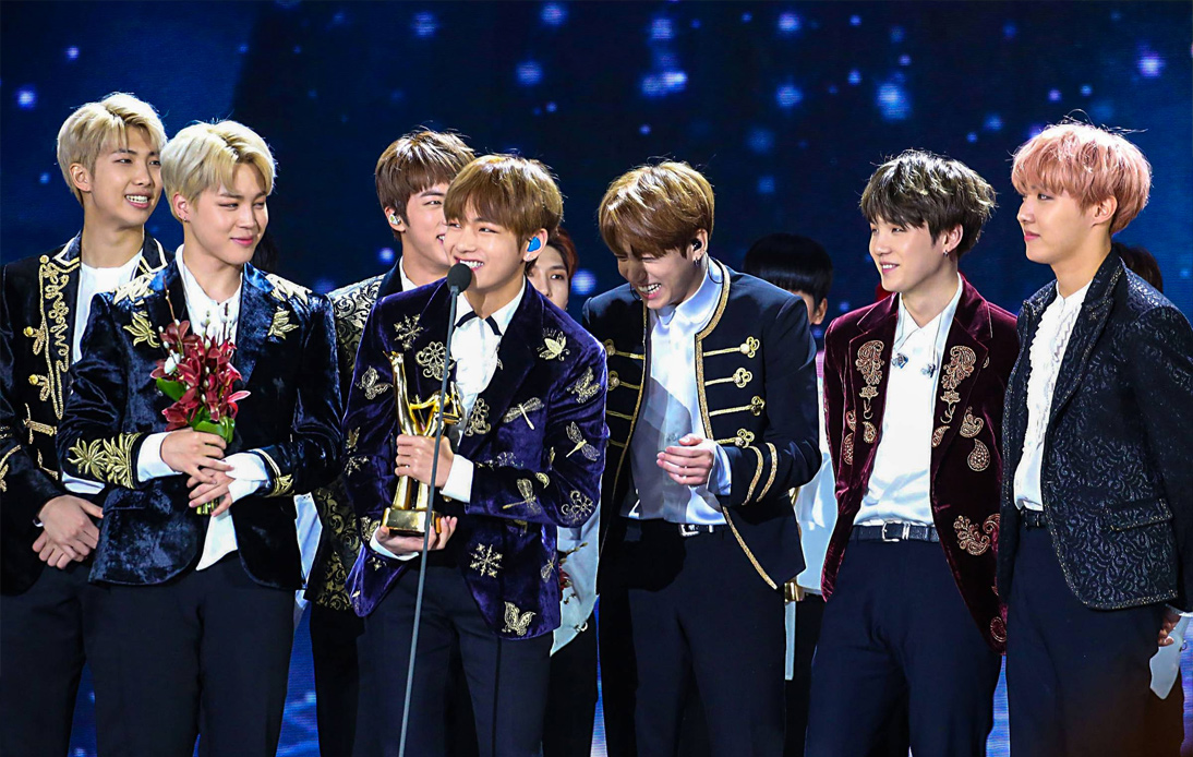 Engoo BTS Becomes First Korean Band to Top US Charts